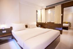 Hotel G-Square Shirdi