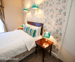 The Deluxe Double Room at the Uppercross House Hotel