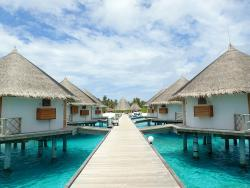 Angaga Island Resort & Spa