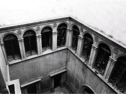 Palazzo D'Ayala Valva