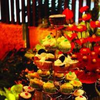 Momentz Cakes and Chocolates