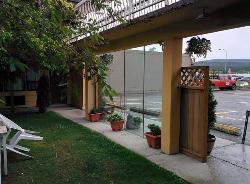 Hospitality Courtyard Inn