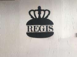 Regis Burger