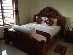 Ly Hout Guesthouse