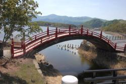 三途の川の太鼓橋