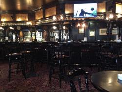Harrry's Pub