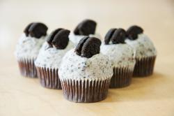 Mini cookies and cream cupcakes