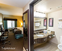 The Double Queen Room at the Wingate by Wyndham Arlington