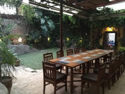 Baardali Cafe Garden Restaurant & Bar