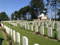 Cimetière militaire Britannique de Bazenville