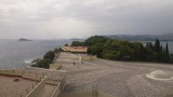 See over to Dubrovnik