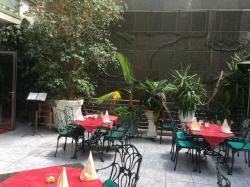 Bani's Restaurant