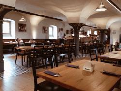 Pivovar Cvikov - restaurace Sladovna