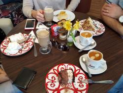 Viverone Cafe Boutique