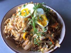 Pad Thai with lamb and chicken