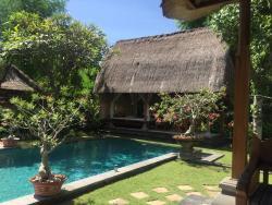 private pool (Villa Ratih)