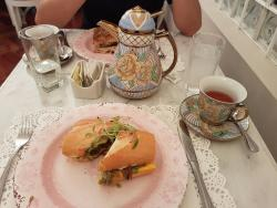 Las Bolena Tea Room & Restaurant