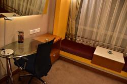 โรงแรมร่มรื่น อยู่โซนนออกออกมาจากบริเวณที่คับคั่งของเซินเจิ้น