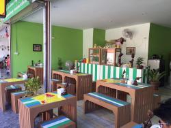 Moom Muum Noodle & Rice Cafe