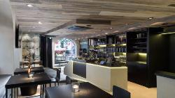 Leo Hillinger Wineshop & Bar Kitzbuhel
