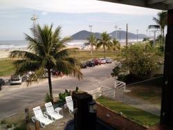 vista da varanda central do hotel (quartos somente com janela)