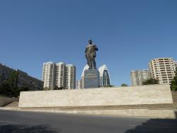 Памятник Нариману Нариманову