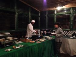 A good variety of well-prepared foods were offered at every meal.