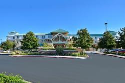 Holiday Inn Express Hotel & Suites Elk Grove East