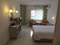 пожалуй, один из лучших отелей по месторасположению в Пуэро де ла Круз