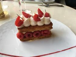 LouLou Paris Restaurant