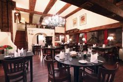 Fondue Tavern Romeo & Julia