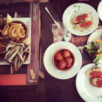 Barce Lona Tapasbar & Restaurant