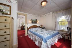 Queen Bedroom Suite 8