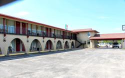 Executive Inn & Suites - Goliad