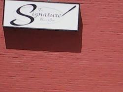 Signature Bar & Grill