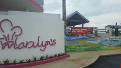 Marilyn's Bar & Grill