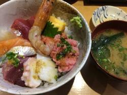 Tsukiji de Don Don