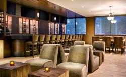 Newly renovated bar & lounge area of Hudson Grille is perfect for transient & leisure guests.
