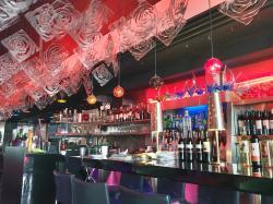 Lola's Lounge