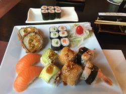 Xinh Sushi