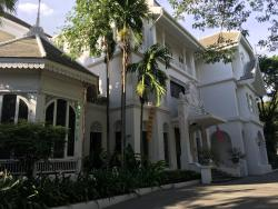 Boutique Hotel with 5-Star Service