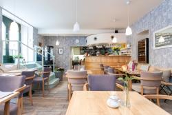 SEDMÝ SMYSL - Café & Lounge bar