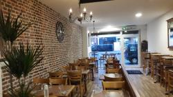L' Estrade Restaurant