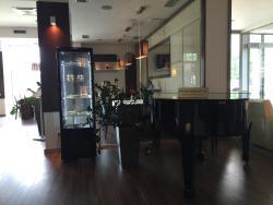 CUBES Restaurant