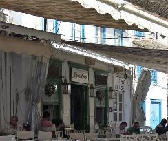 Isalos Cafe-Bar