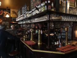 Salhojankadun pub