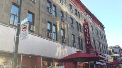 Foto do hotel visto do calçadão!