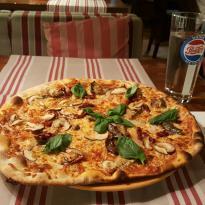 Classic Pizza Stockmann
