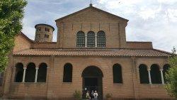 サンタポリナーレ イン クラッセ聖堂
