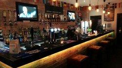 H2O Bar & Lounge